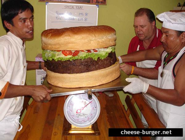 http://www.supersizedmeals.com/food/images/articles/20060924-Worlds_Largest_Hamburger_4.jpg